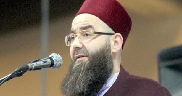 Cübbeli Ahmed Hocaefendi Efendi Hazretlerimizin Arapça hayatı kitabını tanıttı