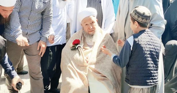 Efendi Hazretleri Mahmud Efendi Camiini gezdiler