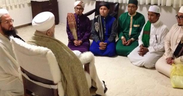 Mısır`dan Malezya`lı talebeler Efendi Hazretlerimizi ziyaret etti