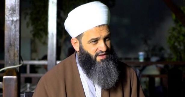 Şefik Kocaman Hocaefendi`ye Fatih`de bıçaklı saldırı