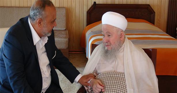 Şevki yılmaz Mahmud Efendi Hazretlerini ziyaret etti